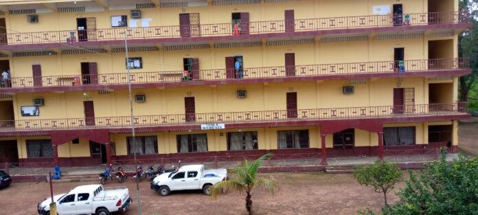 Université, Kindia
